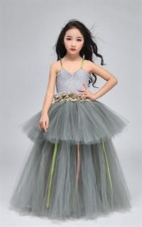 Серое пышное платье в пол из фатина - фото 18015