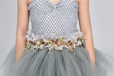 Серое пышное платье в пол из фатина - фото 18016