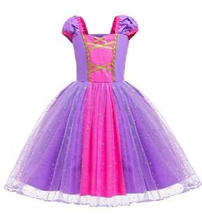 Сиреневое платье принцессы с блестящими снежинками