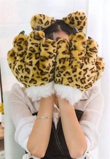Большие лапы леопарда
