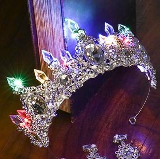 Серебряная корона со светодиодами. Цветной свет
