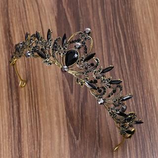 Золотая тиара с черными камнями. 3710