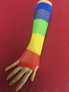 Разноцветные перчатки в сетку