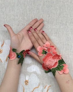 Митенки из вязаного кружева ручной работы. Розовые