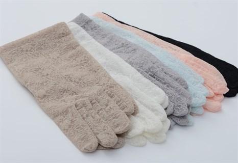 Короткие перчатки из плотного кружева. Бежевые - фото 19450