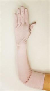 Длинные атласные перчатки бледно-лиловые. 55 см