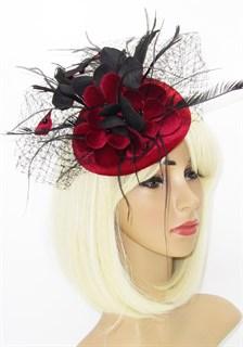 Бордовая бархатная шляпка с цветами и вуалью