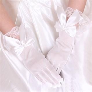 Белые прозрачные перчатки с бантиком и рюшами