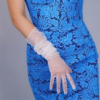 4016. Длинные перчатки из фатина в горох.  Белые