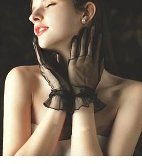 Короткие перчатки из фатина с рюшей. Разные цвета