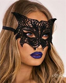Кружевная маска кошки