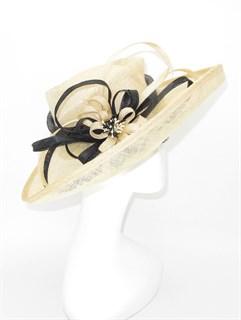 Летняя шляпа из синамей с шикарным цветком. Бежевая