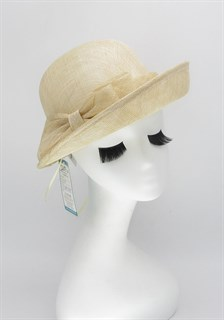 4116. Шляпа с полями из синамей бежевая