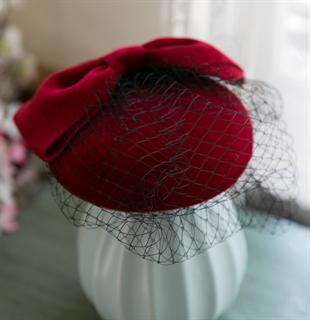 4139. Бархатная шляпка таблетка с вуалью