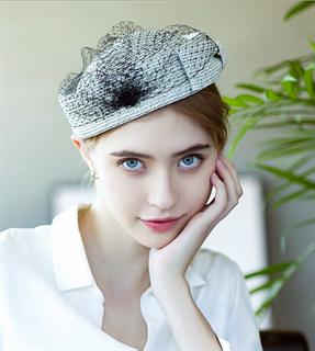 4175. Маленькая шляпка из соломки Дебора. Серо-голубая