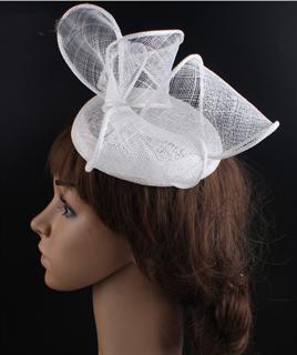 4205. Шляпка таблетка с объемным бантом Аманда. Белая