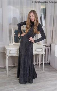 Вечернее платье из панбархата с открытой спиной