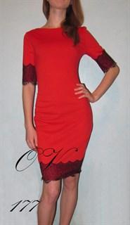 Красное короткое платье с кружевом. 177