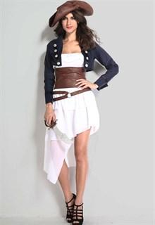 Белое платье пиратки с синим пиджаком и коричневым поясом - фото 5948