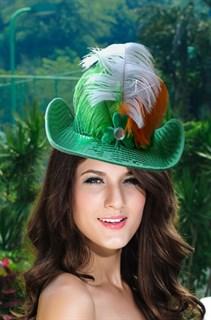 Зеленая шляпа с широкими полями с пайеткаим