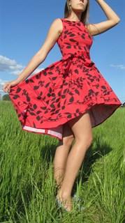 Красное платье из хлопка с асиметричной юбкой