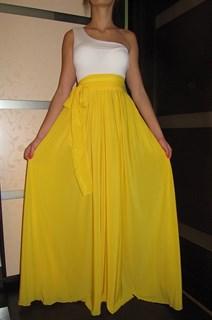 Ярко-желтое платье на одно плечо - фото 6519