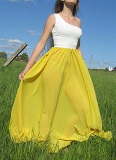 Ярко-желтое платье на одно плечо - фото 6523