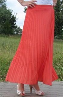 Плиссированная юбка кораллового цвета в пол