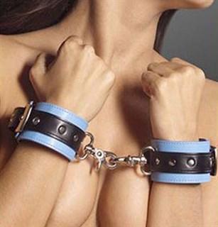 Наручники голубые из искусственной кожи