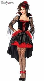 Эксклюзивный костюм вампира с длинным шлейфом.