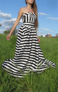 Корсетное платье в пол в полоску