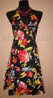 Летнее платье корсетного типа с красными и желтыми цветами