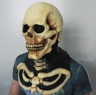 Маска черепа с грудной клеткой